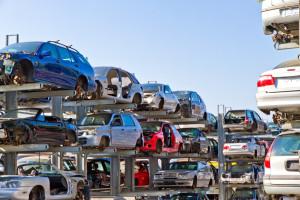 Schrottauto Ankauf Bünde | Wir brigen Ihr Auto zum Schrottplatz
